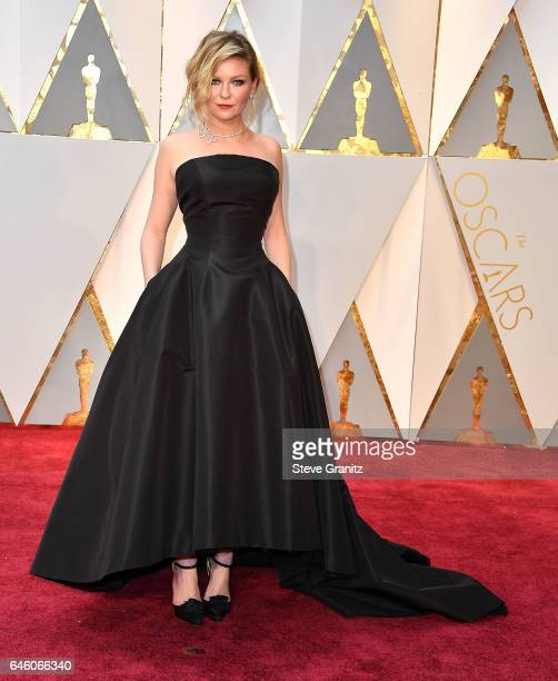 Kirsten Dunst arrives at the 89th Annual Academy Awards at Hollywood Highland Center on February 26 2017 in Hollywood California