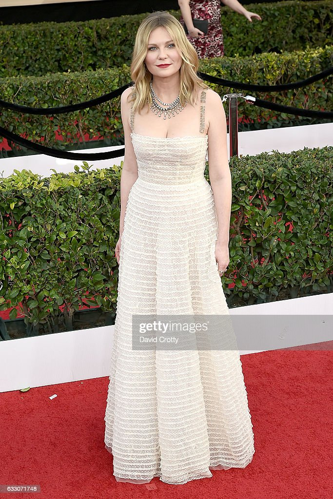 Kirsten Dunst attends the 23rd Annual Screen Actors Guild Awards at The Shrine Expo Hall on January 29, 2017 in Los Angeles, California.