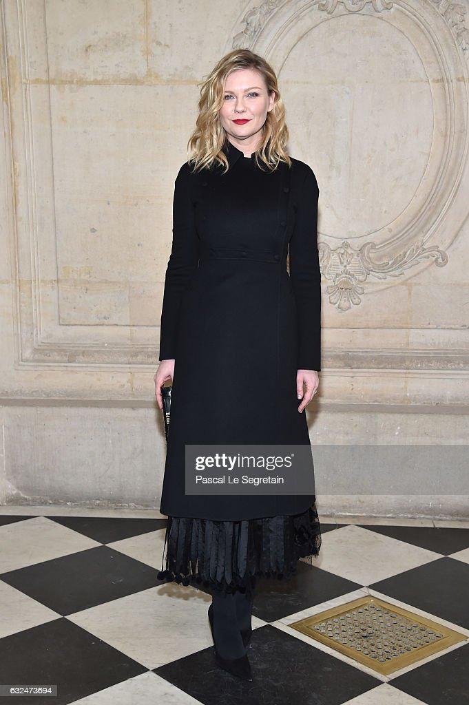 Christian Dior : Photocall - Paris Fashion Week - Haute Couture Spring Summer 2017