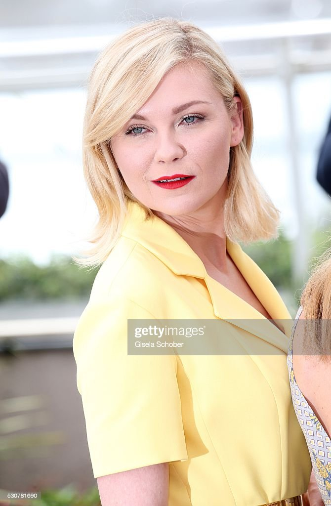 Kirsten Dunst attends the Jury Photocall during the 69th Annual Cannes Film Festival at the Palais des Festivals on May 11, 2016 in Cannes, France.