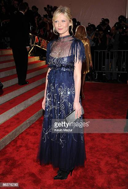 """Kirsten Dunst attends """"The Model as Muse: Embodying Fashion"""" Costume Institute Gala at The Metropolitan Museum of Art on May 4, 2009 in New York City."""