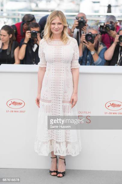 Kirsten Dunst attends the 'The Beguiled' photocall during the 70th annual Cannes Film Festival at Palais des Festivals on May 24 2017 in Cannes France