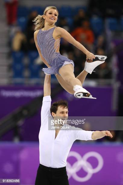 Kirsten MooreTowers and Michael Marinaro of Canada compete during the Pair Skating Free Skating at Gangneung Ice Arena on February 15 2018 in...