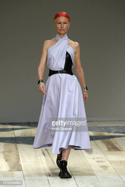 Kirsty Hume walks the runway during the Alexander McQueen show as part of Paris Fashion Week Womenswear Fall/Winter 2020/2021 on March 02, 2020 in...