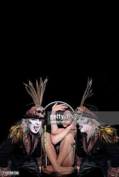 Circus of horror nude, an orgy of critics lyrics