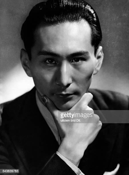 Kishi Koichi Composer Japan*19091937 Photographer Atelier Binder Published by 'Sieben Tage' 01/1937Vintage property of ullstein bild