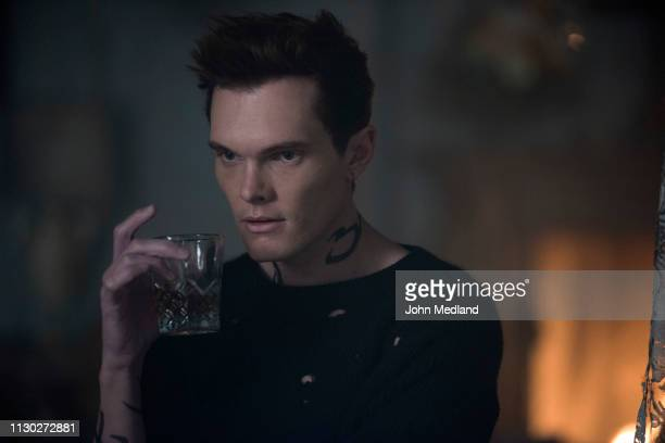 SHADOWHUNTERS 'A Kiss From A Rose' Continuing to track down information on the rumors about misconduct at The Claves downworlder prison Isabelle asks...