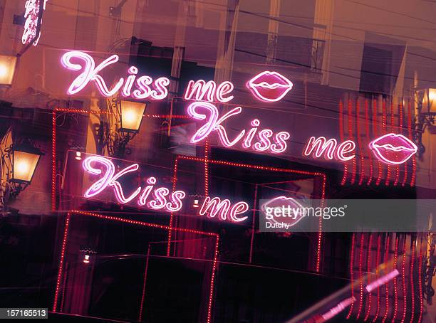 kiss me! - red light district stock-fotos und bilder