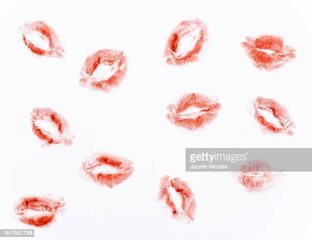 kiss on paper - kussmund stock-fotos und bilder