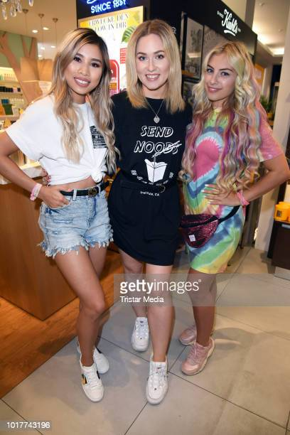 Kisu Chany Dakota and Sonny Loops during the Urban Decay Campaign 'Laufen gegen Cybermobbing' on August 16 2018 in Berlin Germany