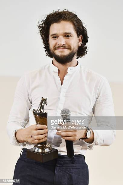 Kit Harington poses with the Giffoni Award during Giffoni Film Festival 2017 on July 19 2017 in Giffoni Valle Piana Italy