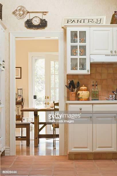 Kitchen and dining room entrance