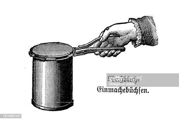 Kitchen implement, Tinplate can, historical kitchen appliances, Betty Gleim's cookbook, 1847 / Weißblech Einmachbüchsen, historische Küchengeräte,...