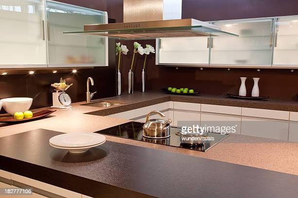 kitchen in house - afzuigapparaat stockfoto's en -beelden