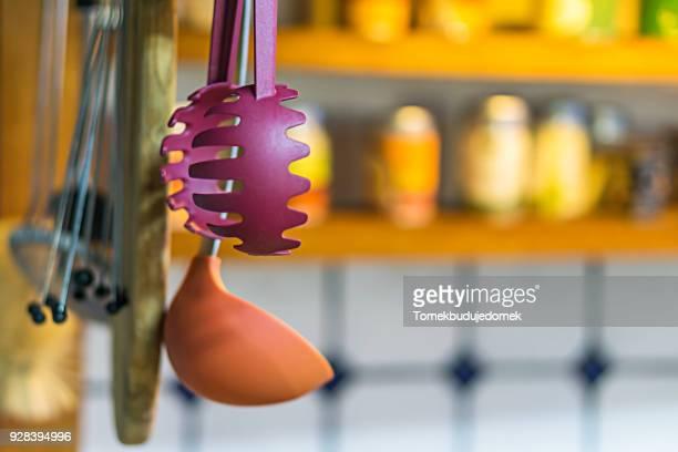 kitchen - küchenbedarf stock-fotos und bilder