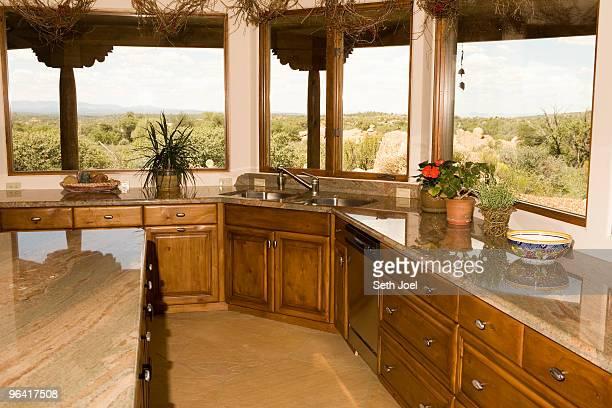 kitchens west - casa estilo rancho fotografías e imágenes de stock