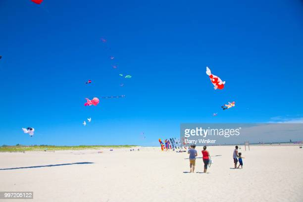 kite flying at jones beach, ny - wantagh stock pictures, royalty-free photos & images