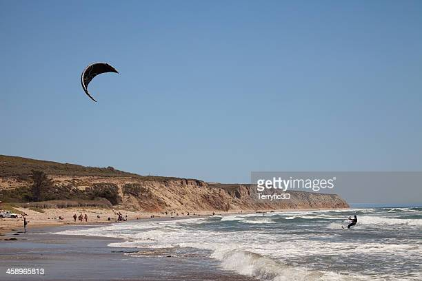 kite surfing at jalama beach state park, california - terryfic3d stockfoto's en -beelden