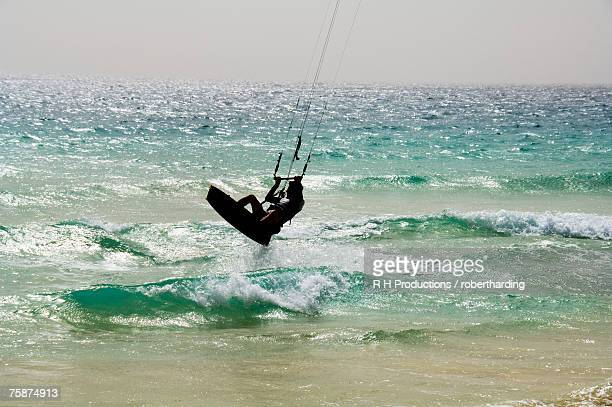 kite surfing at santa maria on the island of sal (salt), cape verde islands, atlantic ocean, africa - cape verde stock pictures, royalty-free photos & images