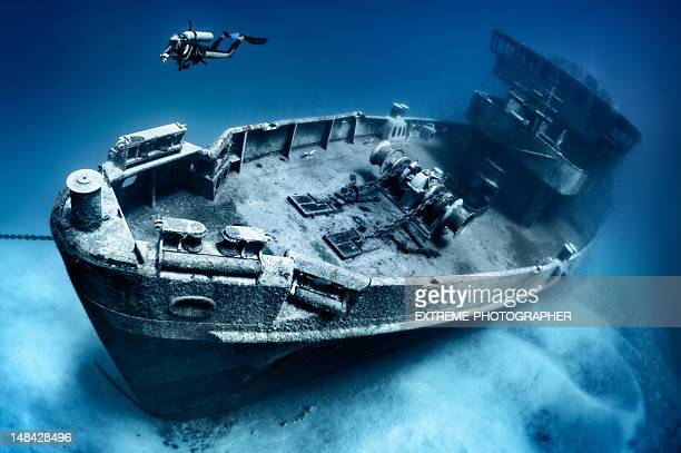 kittiwake shipwreck asr-13 - shipwreck stock pictures, royalty-free photos & images