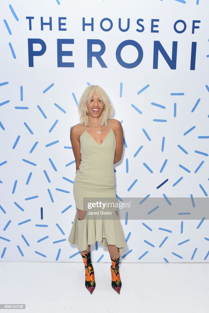 Kitty Cash attends St. Vincent & Peroni Nastro Azzurro Unveil Second Edition of The House of Peroni House of Peroni on October 5, 2017 in New York City.