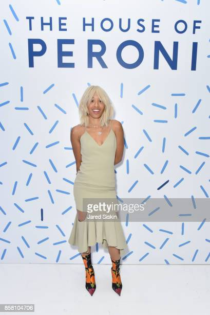 Kitty Cash attends St Vincent Peroni Nastro Azzurro Unveil Second Edition of The House of Peroni House of Peroni on October 5 2017 in New York City