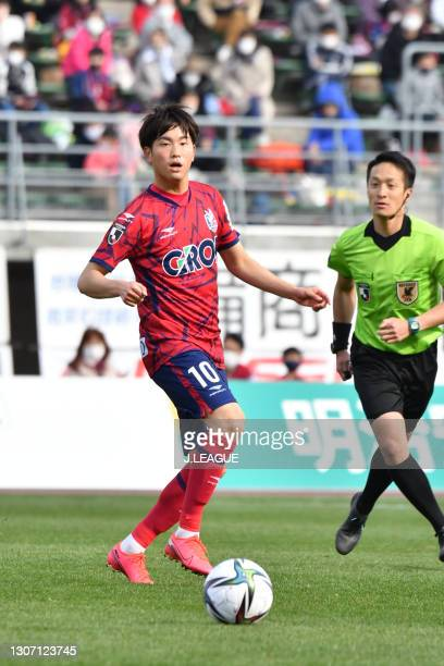 Kiwara MIYAZAKI of Fagiano Okayama in action during the J.League Meiji Yasuda J2 match between Fagiano Okayama and SC Sagamihara at the City Light...