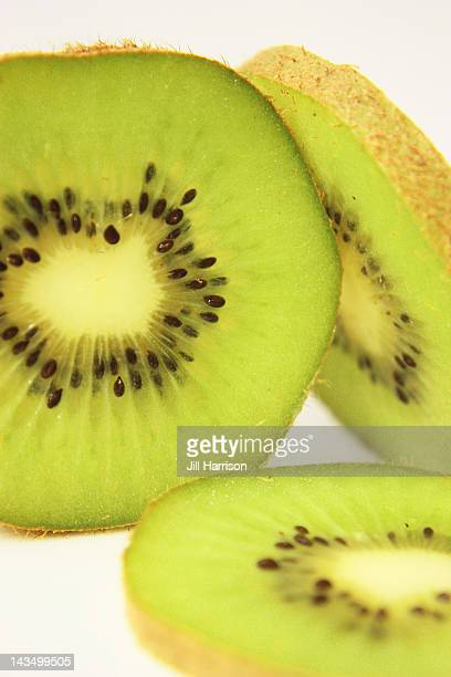 kiwi fruit slices - jill harrison stock pictures, royalty-free photos & images