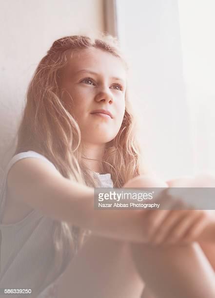 kiwi girl. - alleen tienermeisjes stockfoto's en -beelden