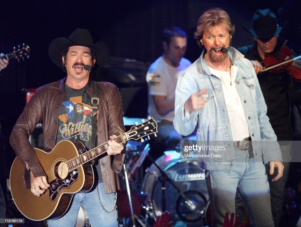 Country Takes New York City - Brooks and Dunn in Concert at Irving Plaza