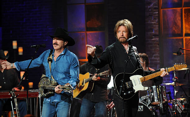 Photos et images de taping of cmt invitation only featuring brooks kix brooks and ronnie dunn perform for the taping of cmt invitation only featuring brooks stopboris Gallery