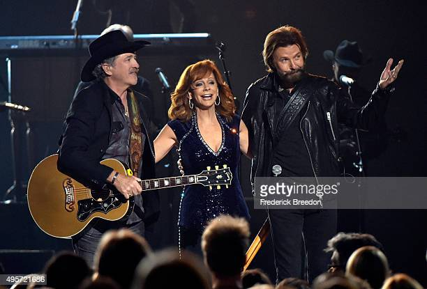 Kix Brooks Reba McEntire and Ronnie Dunn perform onstage at the 49th annual CMA Awards at the Bridgestone Arena on November 4 2015 in Nashville...