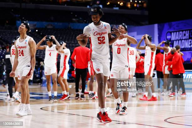 Kiyron Powell of the Houston Cougars celebrates after defeating the Oregon State Beavers in the Elite Eight round of the 2021 NCAA Men's Basketball...