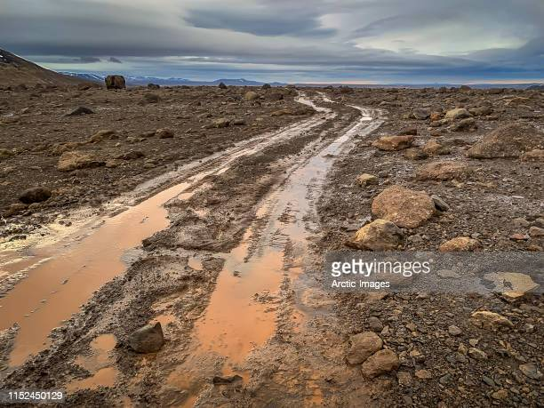 kjolur road or  kjalvegur road, central highlands, iceland - jeep stock pictures, royalty-free photos & images