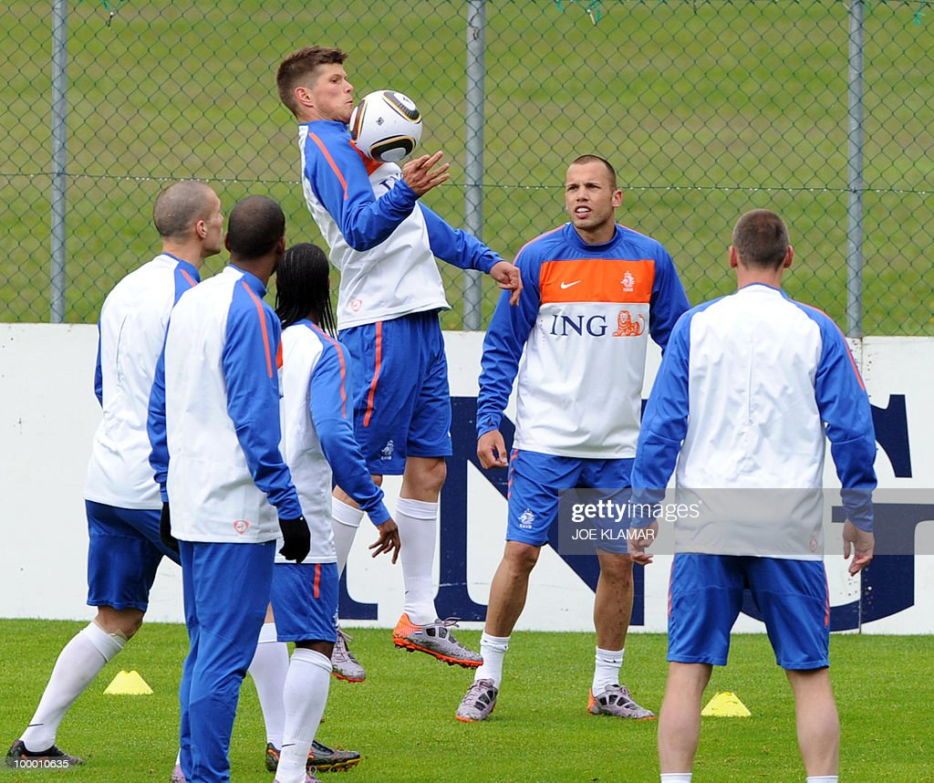 Klaas Jan Huntelaar (C, up) jumps after a ball during the Dutch national football team's first practice at their training camp in Tyrolian village in Seefeld on May 20, 2010, prior to the FIFA World cup 2010 in South Africa.