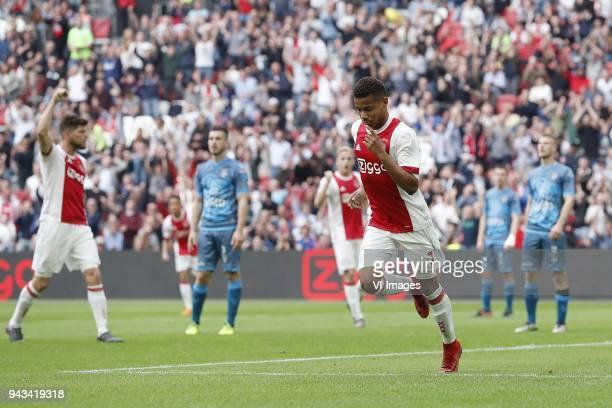 Klaas Jan Huntelaar of Ajax Dries Wuytens of Heracles Almelo David Neres of Ajax Wout Droste of Heracles Almelo during the Dutch Eredivisie match...