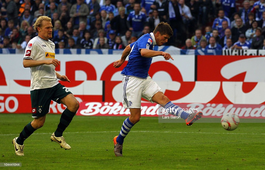 FC Schalke 04 v Borussia M'gladbach - Bundesliga