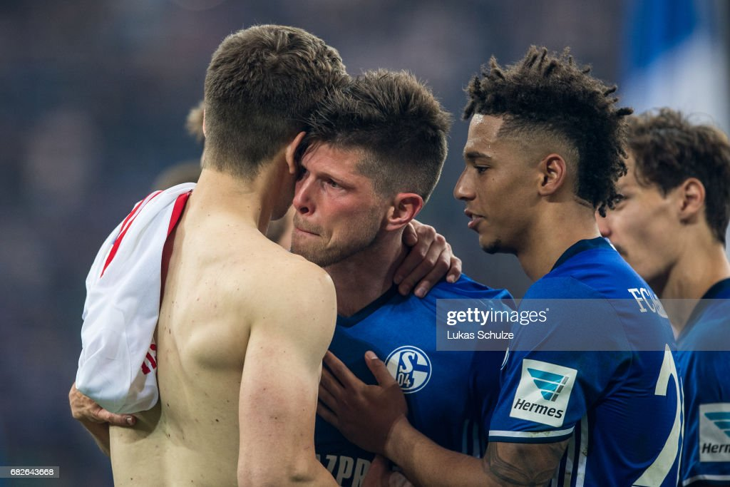 Klaas-Jan Huntelaar cries after one of his last matches for Schalke 04 after the Bundesliga match between FC Schalke 04 and Hamburger SV at Veltins-Arena on May 13, 2017 in Gelsenkirchen, Germany.