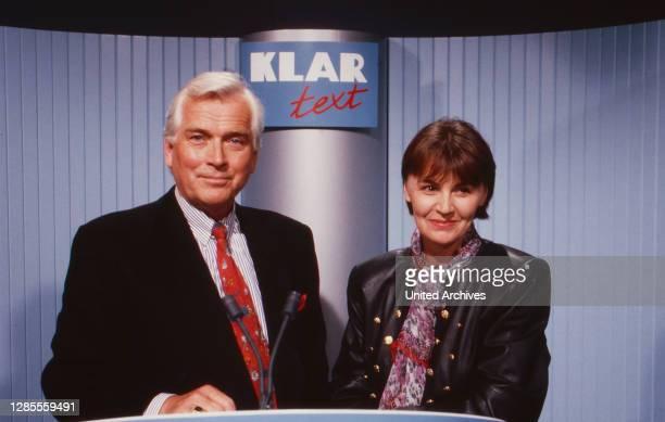 Klartext, Fernsehmagazin zum Thema Politik, Deutschland 1990, Moderatoren Carlheinz Hollmann und Angelika Unterlauf.