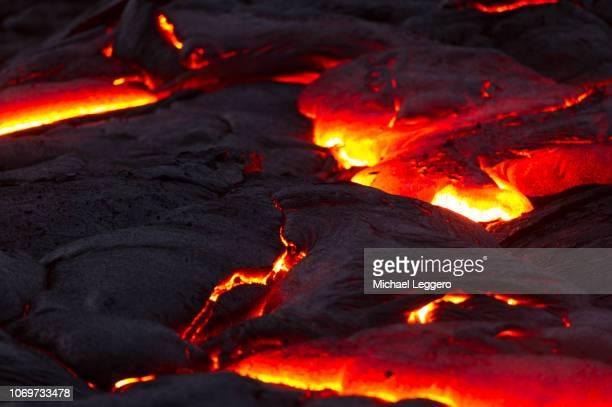 klauea lava flow - キラウエア火山 ストックフォトと画像