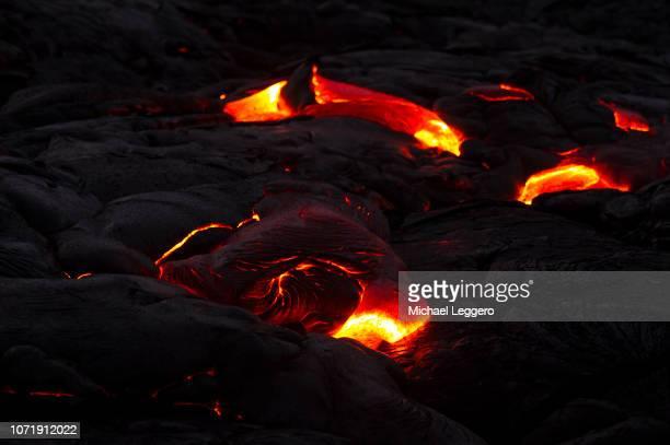 klauea volcano lava flow hawaii - パホア ストックフォトと画像
