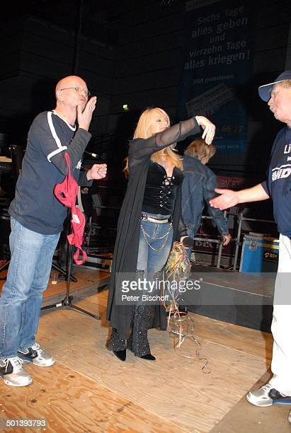 Klaus Büchner Bonnie Tyler Klaus Baumgart Mitglied GesangsDuo 'Klaus und Klaus' Auftritt als T r i o anläßlich '25 Jahre 'Klaus und Klaus' 43 Bremer...