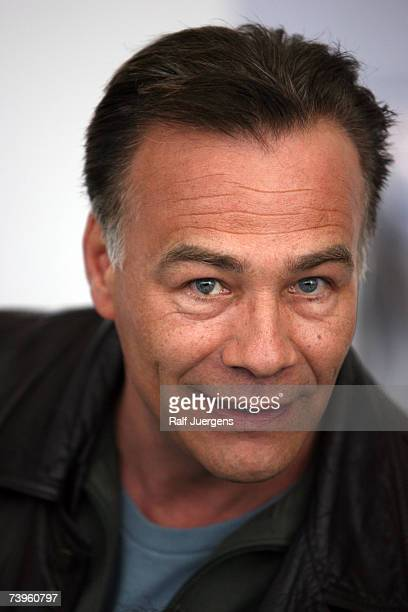 Klaus Behrendt poses at photocall for the 40 Tatort Anniversary on April 24 2007 in Cologne Germany The film is named Hoppe Hoppe Reiter