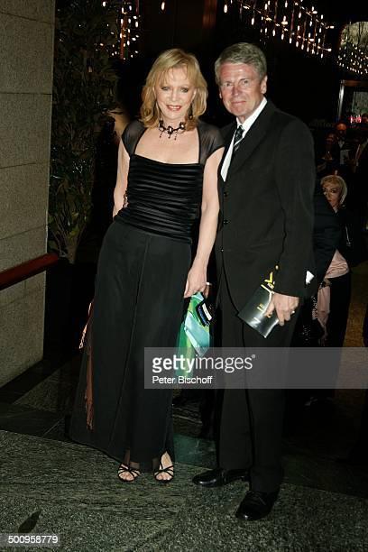 "Klaus Bresser, Ehefrau Evelyn Bresser, 7. Verleihung ""Radio Regenbogen Award"", Mannheim, , ""Mannheimer Rosengarten"", Redakteur, Promi, Promis,..."