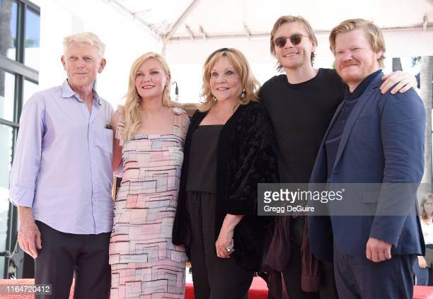 Klaus Dunst Kirsten Dunst Inez Rupprecht Christian Dunst and Jesse Plemons pose as Kirsten is Honored With A Star On The Hollywood Walk Of Fame on...