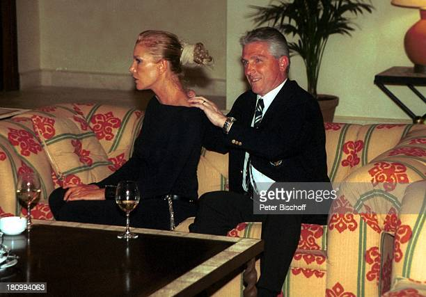 Klaus Fischer rechts Christina Lesch Eagles GolfTurnier GolfGala Estepona bei Marbella/Costa del Sol/Andalusien/Spanien Kempinski Resort Hotel...
