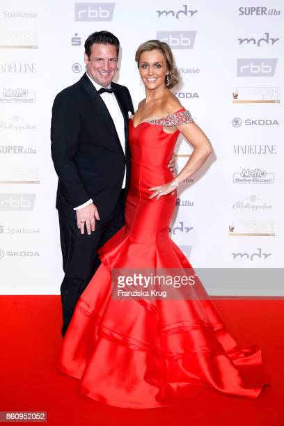 Klaus Gronewald and his wife Sandra Maria Gronewald attend the Goldene Henne on October 13 2017 in Leipzig Germany