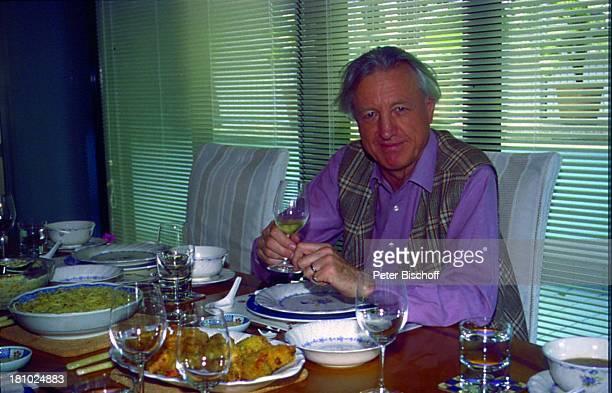 Klaus Heymann MozartAldi Hongkong/China Essen Speisen gedeckter Tisch Glas Getränk