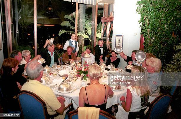 Klaus Hofsäss Ehefrau Sonja Hofsäss Bernhard Brink Ehefrau Ute Brink Freunde Marbella/Spanien Hotel Puente Romano Restaurant Essen zum 50 Geburtstag...