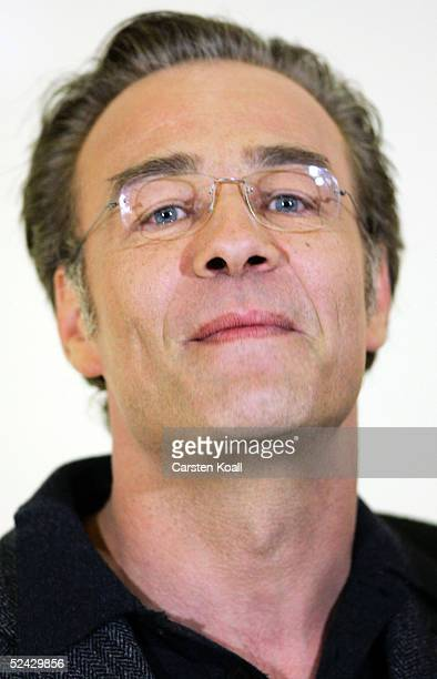 "Klaus J. Behrendt poses at the photocall for the new ZDF TV-Soap ""Kanzleramt"" on March 15, 2005 in Berlin."